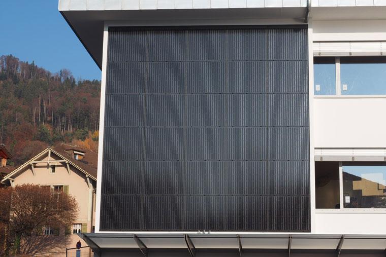 news solarfassade hilterfingen alenso. Black Bedroom Furniture Sets. Home Design Ideas